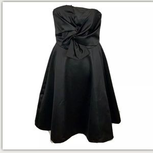 H&M Strapless Bow Twist Black Knot Dress